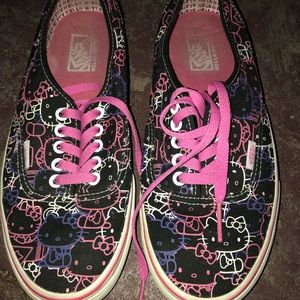 Vans Authentic Hello kitty Skate Shoe.